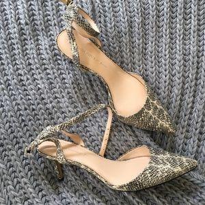 Banana Republic Cream snakeskin kitten heels  10